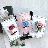 Handmade Dried Flower Greeting Card