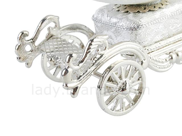 Cinderellas Carriage Music Box